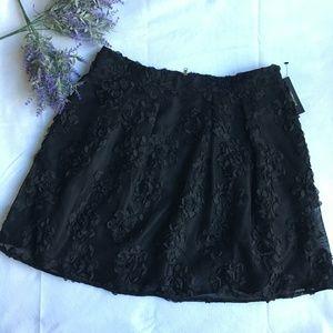 NWT Worthington Lined skirt Black w/3D flowers 16